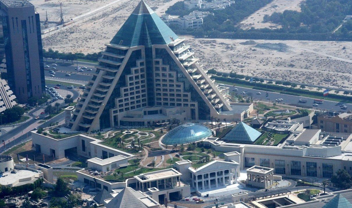 Hotels for The famous hotel in dubai